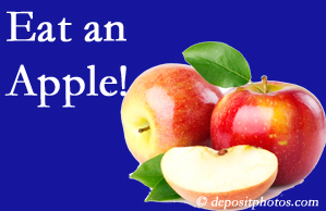 Groton chiropractic care encourages healthy diets full of fruits and veggies, so enjoy an apple the apple season!